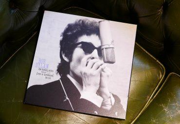 伊藤さんが大事に保管している私物。ボブ・ディランの、デビュー前の1961年から1989年までの未発表音源を集録し、1991年に発売された「ブートレッグ・シリーズ 第1〜3集」。