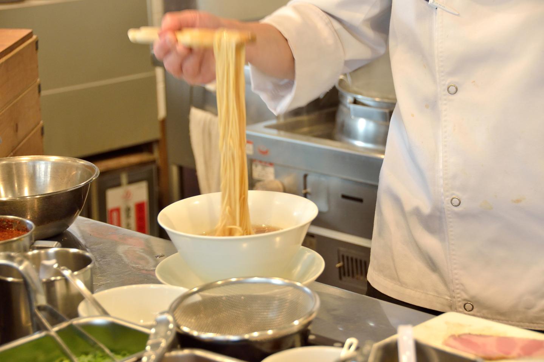 同店の麺は、味わいに合わせて全4種。すべて店内の製麺機で丁寧に打ったものを使用しています