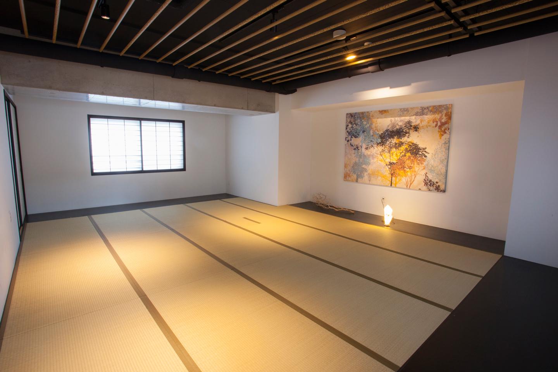 寝転んだり、靴を脱いで落ち着きたい時に嬉しい和室も共用スペースとして完備