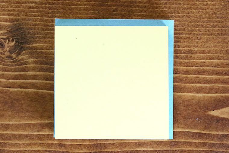 青が一般的なふせん、黄色が付箋ノートが作りやすいふせん