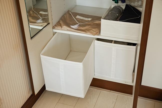 クローゼットの中にフリースペースを設けることも大切。帰宅してすぐ片付けられない服、畳んでいない洗濯物などをとりあえず置くスペースとして活用。寝る前に片づけるそう