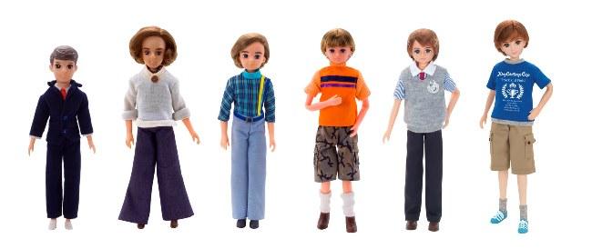 左から、わたるくん(1968年〜)、マサトくん(1976年〜)、初代イサムくん(1981年〜)、2代目イサムくん(1985年〜)、かけるくん(2000年〜)、レンくん(2008年〜)、はるとくん(現在)
