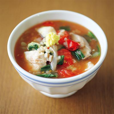 押し麦を使った、満腹感をしっかり得られるスープもおすすめ。彩りも鮮やかで、ダイエット食とは思えない充実ぶり。
