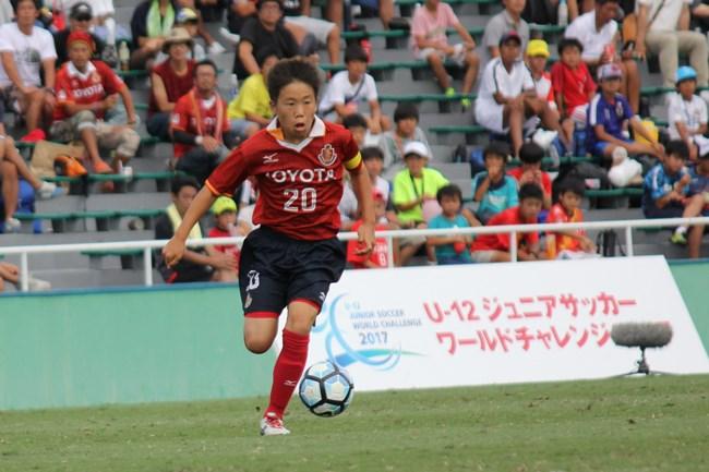 3位決定戦で先制点をアシストした名古屋グランパスU-12の鈴木陽人選手。