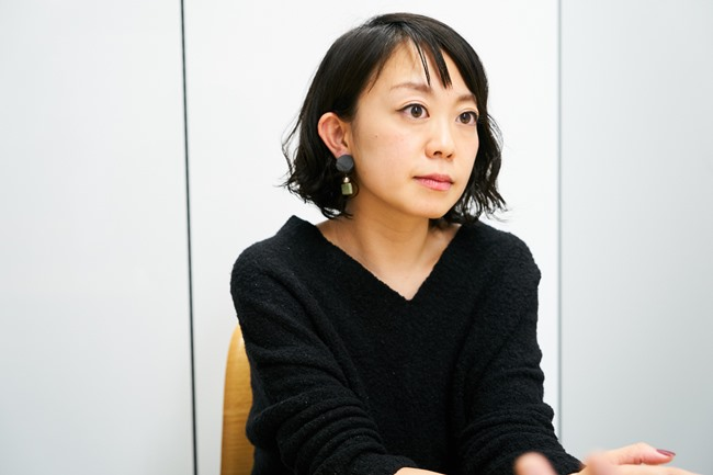 Makuakeでキュレーターという役割を担う細田芽衣さん。プロジェクトの設計段階から実行者の相談役となり目標達成までの伴走役になってくれます。キュレーターがサポートするためプロジェクト成功率が高いことがMakuakeの特徴にもなっています