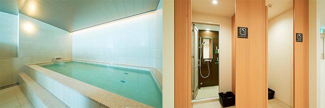 「ファーストキャビン京橋」の大浴場と、脱衣場付きのシャワーブース