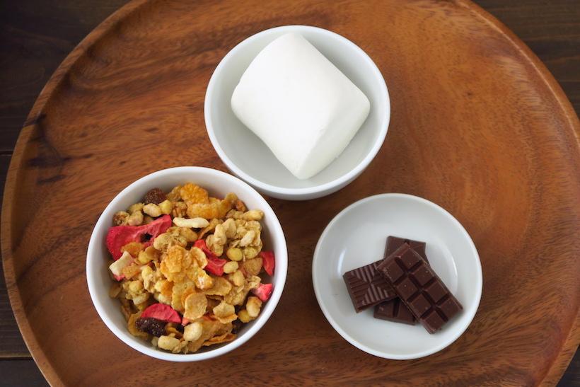今回はミルクチョコレートを使用しましたが、ホワイトチョコレートを使ってもかまいません