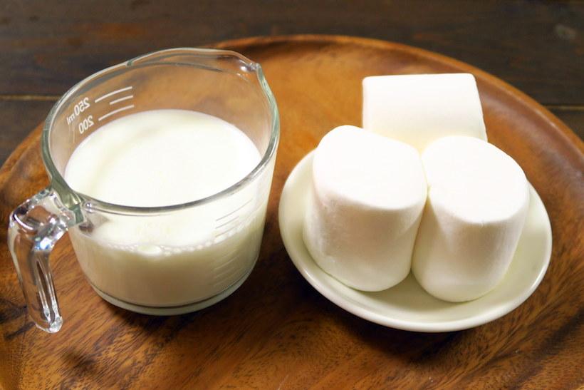 マシュマロの重量の、倍量の牛乳を使用しました