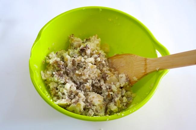 プルコギビーフにしっかり下味が付いているので、塩コショウは少し足りないと感じる程度でOK。