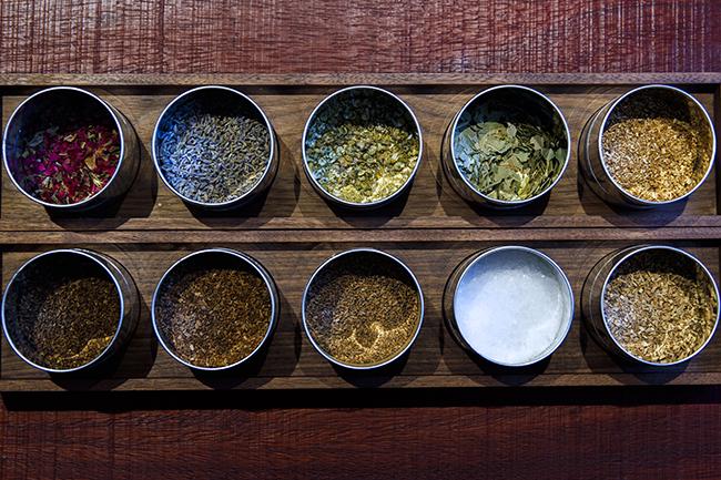 原料は全部で10種類。季節によって入れ替えもあります