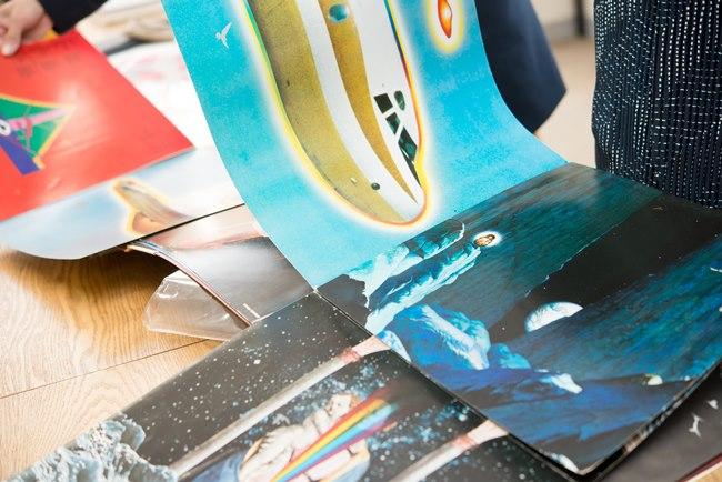 """サンタナのライブアルバム(1973年の大阪公演)のアートワークは横尾忠則氏。空前絶後と称された""""22面体ジャケット""""についても、稲葉さんが解説してくれた"""