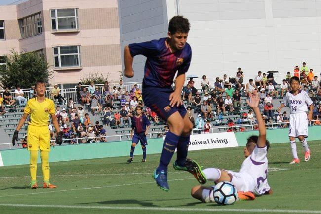 """昨年度大会ではバルセロナがこれぞ""""世界基準""""という圧巻のパフォーマンスを披露。決勝では東京都U-12を2対1で破り、2大会連続4度目の優勝を飾りました"""