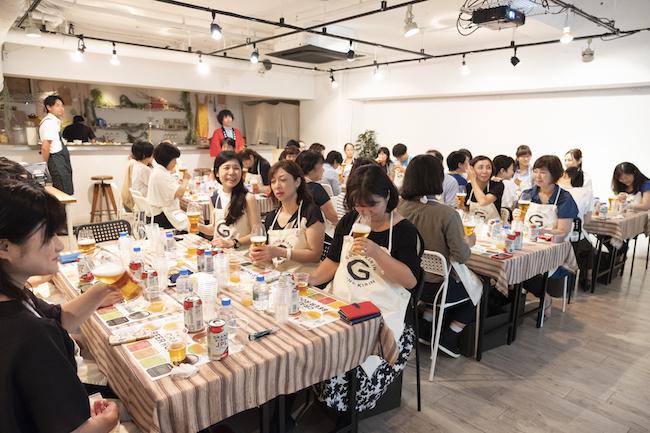 今回のイベントには、コストコとクラフトビールのそれぞれに興味津々な面々が、女性を中心に参加
