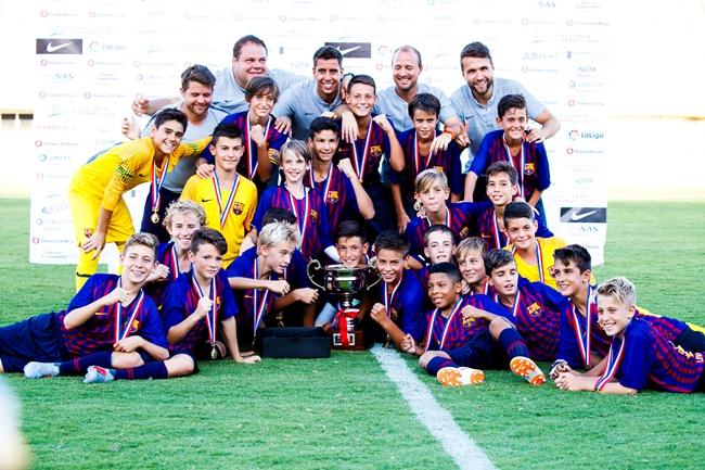 ↑6回目の来日にして5度目の優勝。バルセロナは世界ナンバーワンクラブのプライドを示し、大会3連覇を成し遂げた。