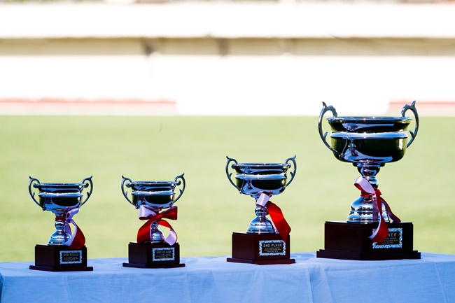 ↑最終順位は、優勝がバルセロナ、準優勝がアーセナル、3位がクラブ・ティフアナ、4位はJFAトレセン大阪U-12。以下、中国サッカー協会U-12選抜、名古屋グランパスU-12、ヴィッセル神戸U-12、FCパーシモンと続く。個人表彰式では、6ゴールを決めた名古屋グランパスU-12の杉浦駿吾選手が得点王を受賞。ダイワハウスMVP賞には、アーセナルのマイォルス・ルイス・ケリー選手が選ばれた。