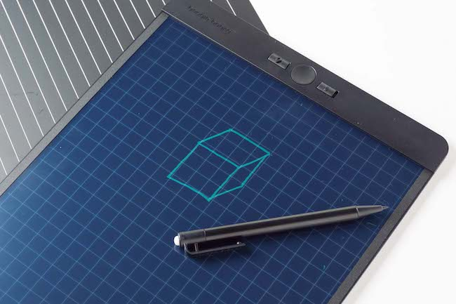 【機能派POINT】方眼や罫線などが印刷された付属の下敷きを使うと、図形やグラフなどをフリーハンドでキレイに書けます。