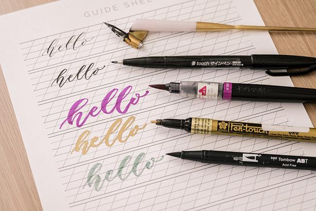 ↑筆ペンのようにペン先がしなるものであれば筆圧が調整できるため、線のコントラストを表現可能。ただし、このなかでペンタッチゴールドのみそれができないため、後から太さを出すために線を書き足している