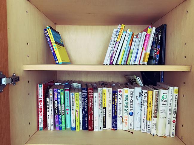 ↑本は電子書籍から再び紙に戻りつつあるそう。棚を決めて入るだけの量で管理