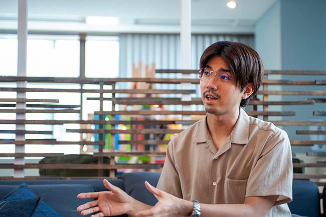 ↑ROOMIEの編集長を務める、野田 翔さん。