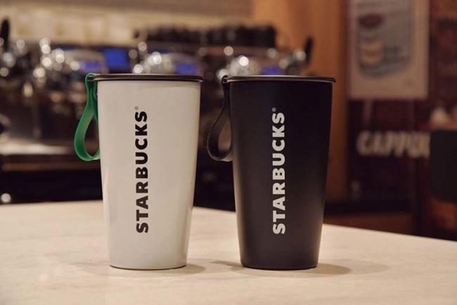 脱プラスチックの先駆け的存在であるスタバのタンブラー。カフェへのマイカップ持参を定着させました