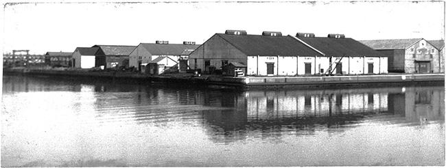 今回取材した寺田倉庫の、創業当初(1950年代)の様子。今年創業から70周年を迎えます。