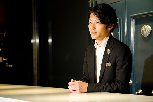 安田さんは麻布十番のフレンチ「Craft WINE N」でソムリエ兼フロアマネージャーとして勤務したのち、2018年に寺田倉庫へ。現在はセラーのクライアント業務、ワインのデータ管理のアドバイザーなどワイン業務をメインに活躍しています。
