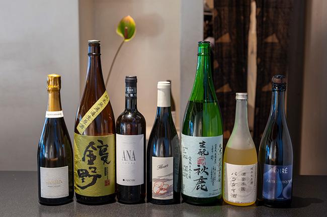 Kabiに用意されるお酒は、ワインや日本酒のほか、ビールやシードルなど、バラエティに富む。
