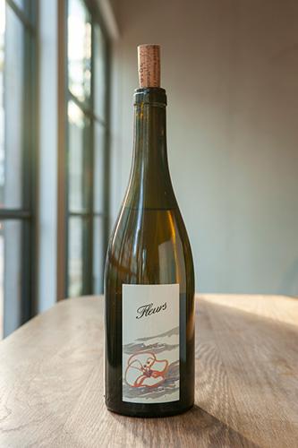 フランス・ジュラ産の白ワイン「ドメーヌ・ラベ・コート・デュ・ジュラ・シャルドネ・フルール」(ブドウ品種:シャルドネ)