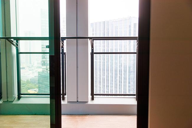 タワーマンションには珍しくバルコニーも用意されています。洗濯物を外干ししたり換気したりはもちろん、ちょっとひと息入れたい時に最適です。