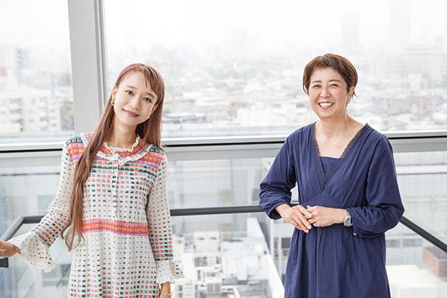 """モデルであり、ミュージシャンでもあるタカハシマイさん(左)。たくさんの人の""""暮らし""""を取材してきた一田さんの目に、マイさんの暮らし、そして生き方はどう映るのでしょう?"""