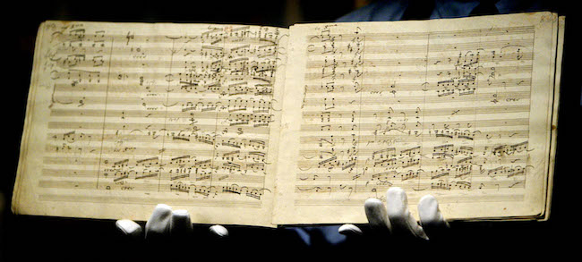 ベートーヴェン「交響曲 第9番」の自筆譜 ※Getty Images