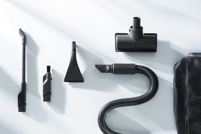 ファブリックノズル、延長ホース、マイクロノズル、フラットノズル、ブラシノズルの5種類が、専用バッグに納められています。