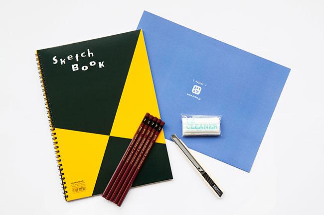 鉛筆、練り消しゴム、カッターナイフ、スケッチブックがセットに。